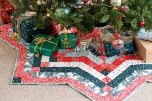 Free Quilting Pattern For A Christmas Tree Skirt