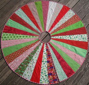 Simple Quilted Christmas Tree Skirt Pattern