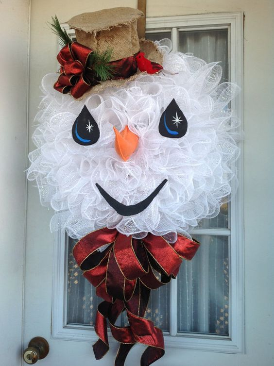 26 diy tutorials and ideas to make a snowman wreath guide patterns - Awesome christmas wreath with homemade style ...
