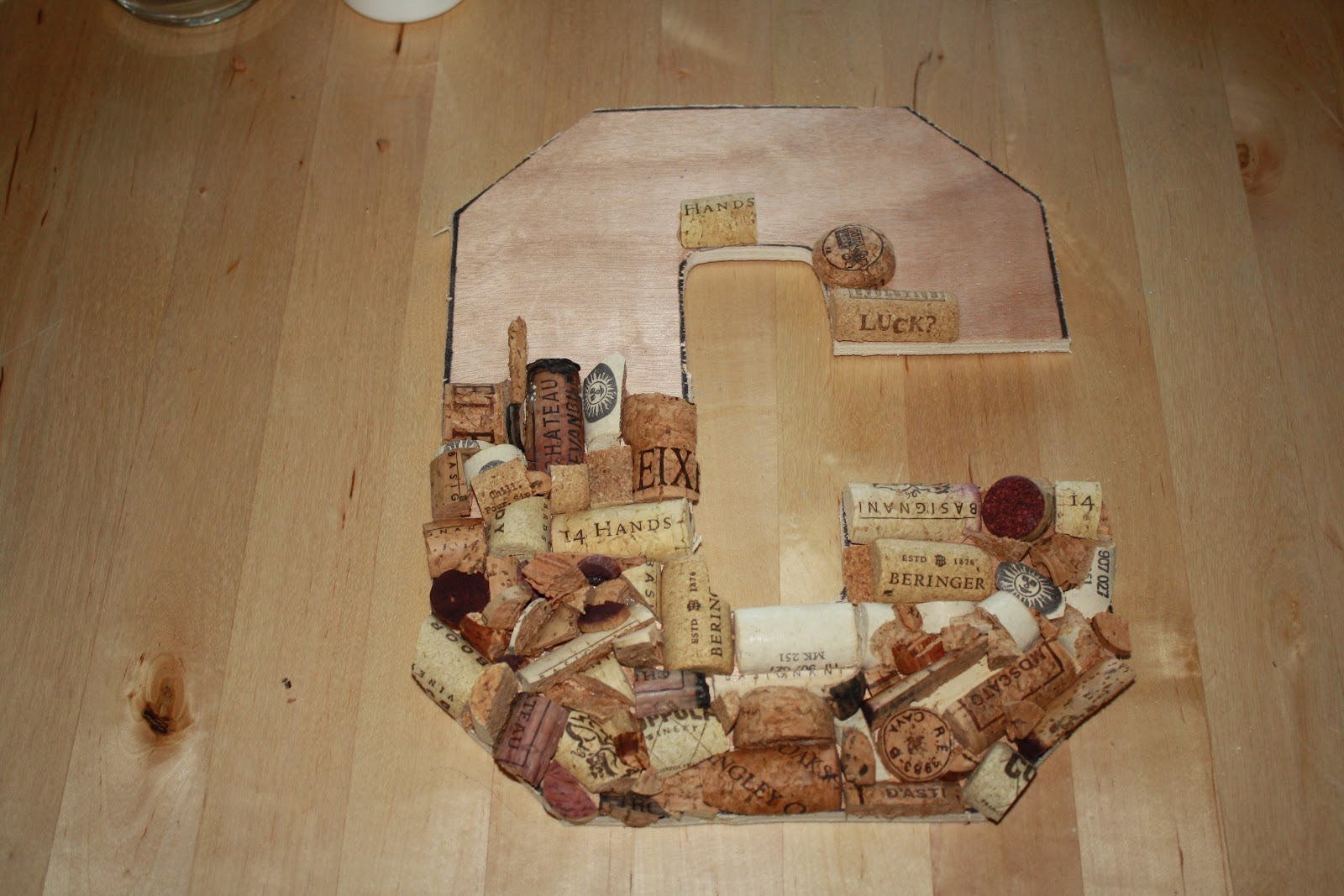 17 easiest ways to make wine cork letters