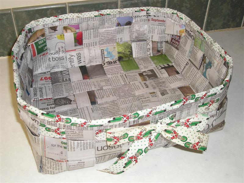 How To Weave A Basket With Paper Strips : Tutorials for weaving a basket out of newspaper guide