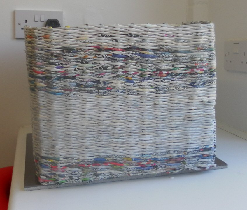 36 tutorials for weaving a basket out of newspaper guide patterns