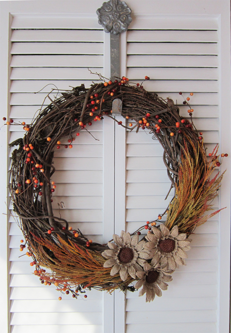 How to Make Fall Wreaths: 54 Easy Tutorials | Guide Patterns