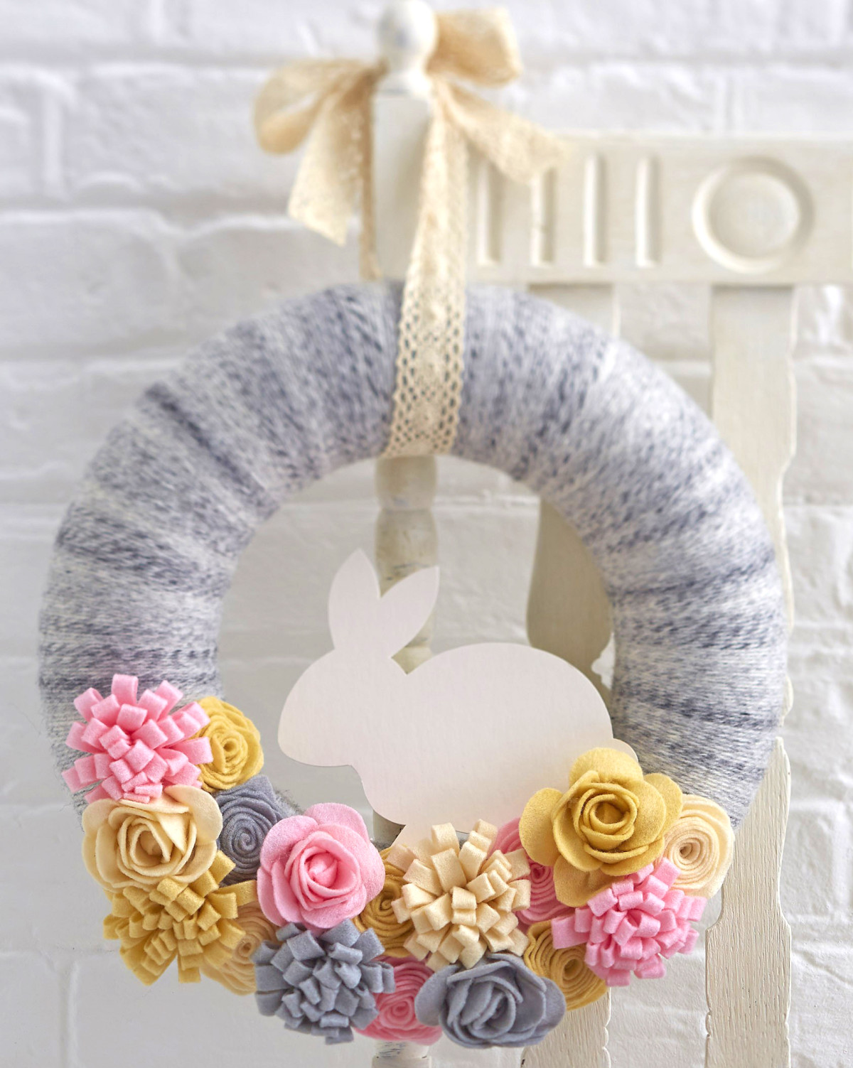 39+ DIY Spring Wreaths for the Front Door That You Can Make | Guide ...