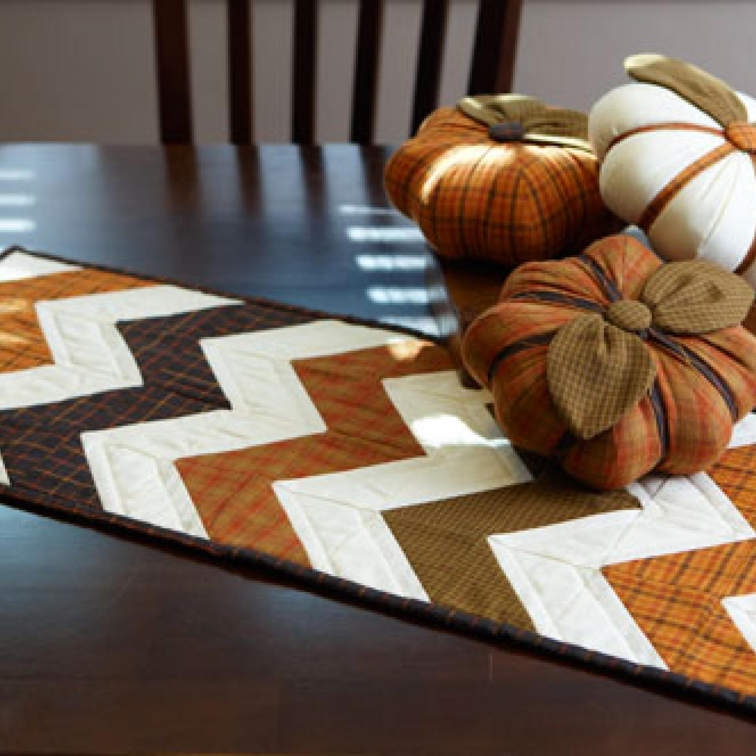 12 easy halloween table runner patterns and ideas