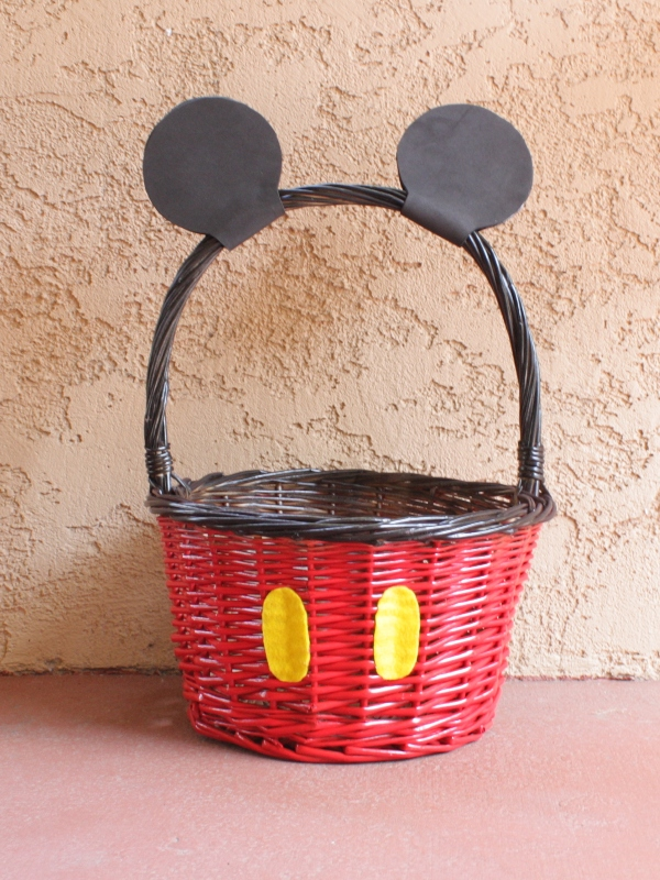 Personalized Easter Baskets: 12+ Adorable Mickey Mouse Easter Basket DIYs With