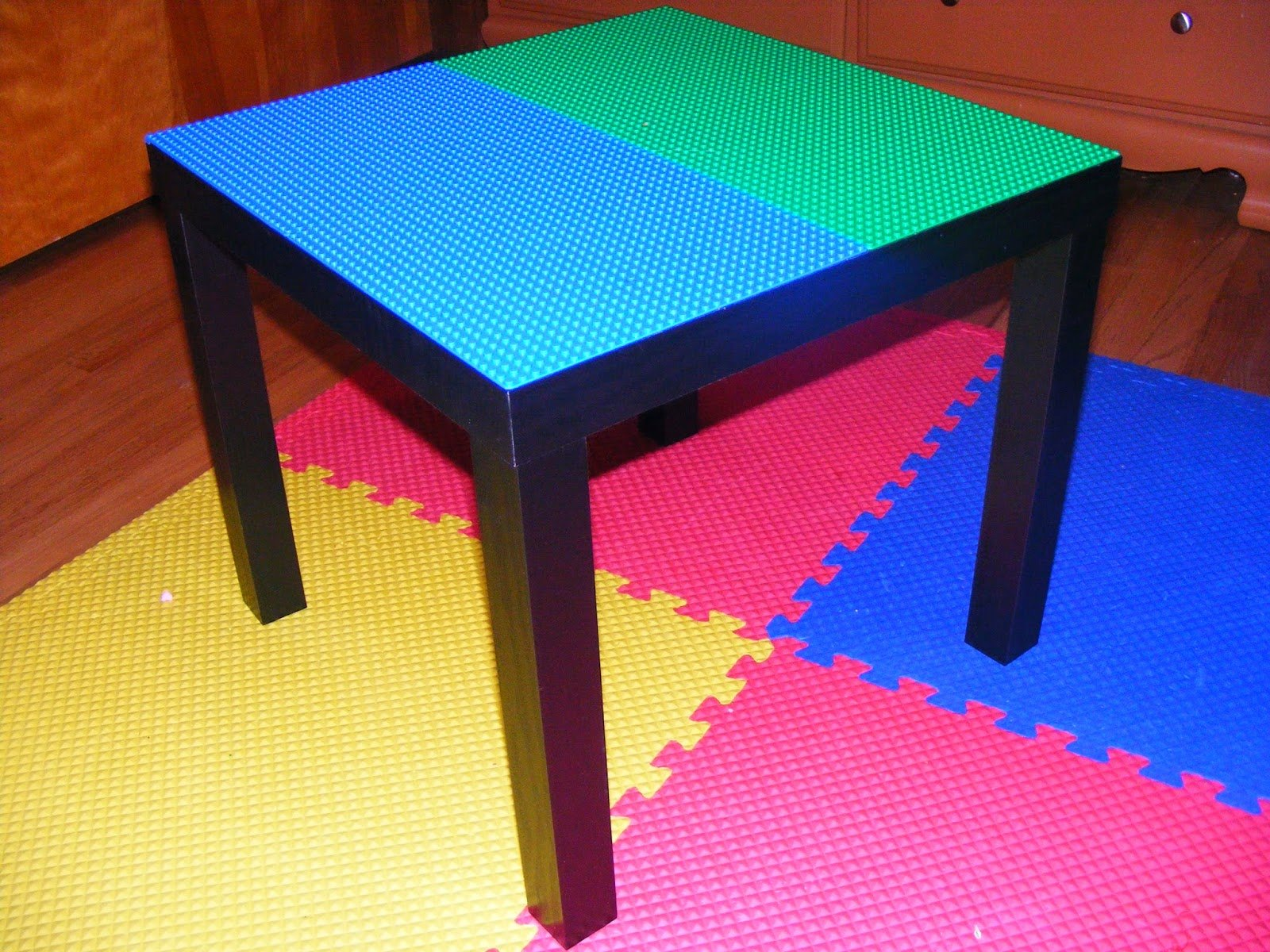 50 diys to build a lego table guide patterns. Black Bedroom Furniture Sets. Home Design Ideas