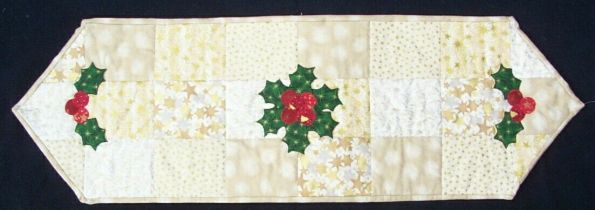 Christmas Table Runner Quilt.33 Free Patterns For Making A Christmas Table Runner Guide