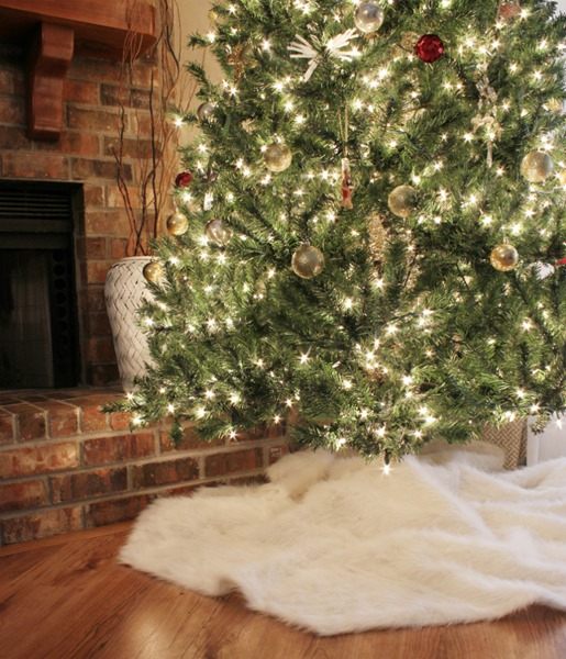 16 Faux Fur Tree Skirts For Christmas Guide Patterns