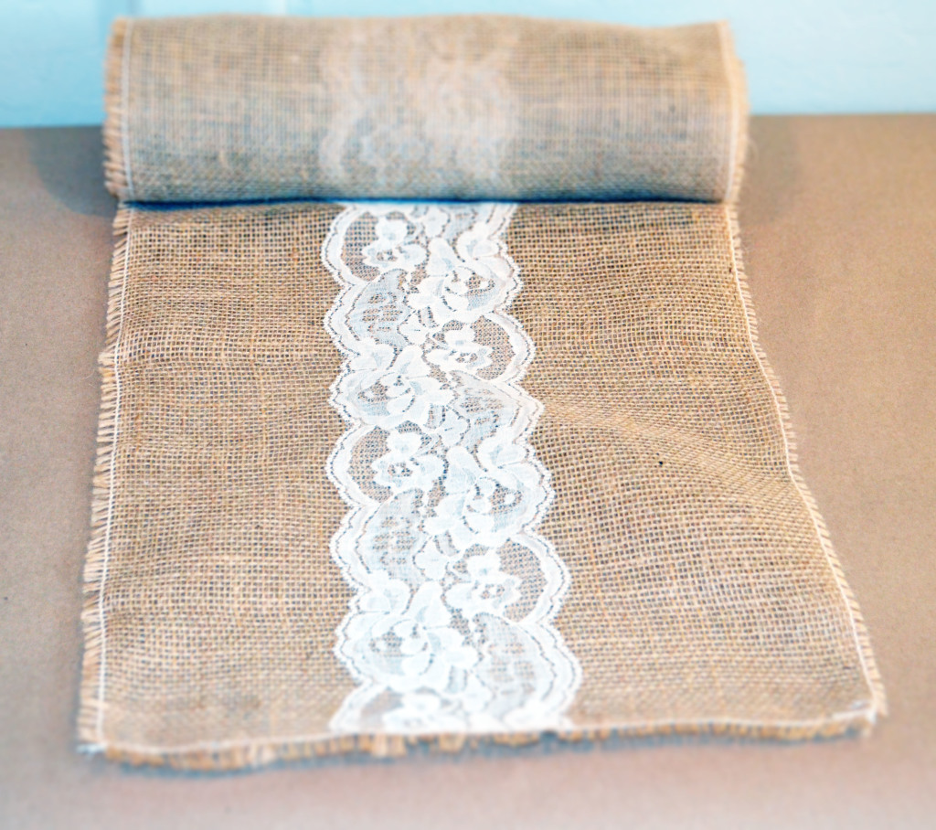 Exceptionnel Burlap Table Runner With Lace