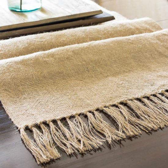 35 ways to make a burlap table runner guide patterns. Black Bedroom Furniture Sets. Home Design Ideas