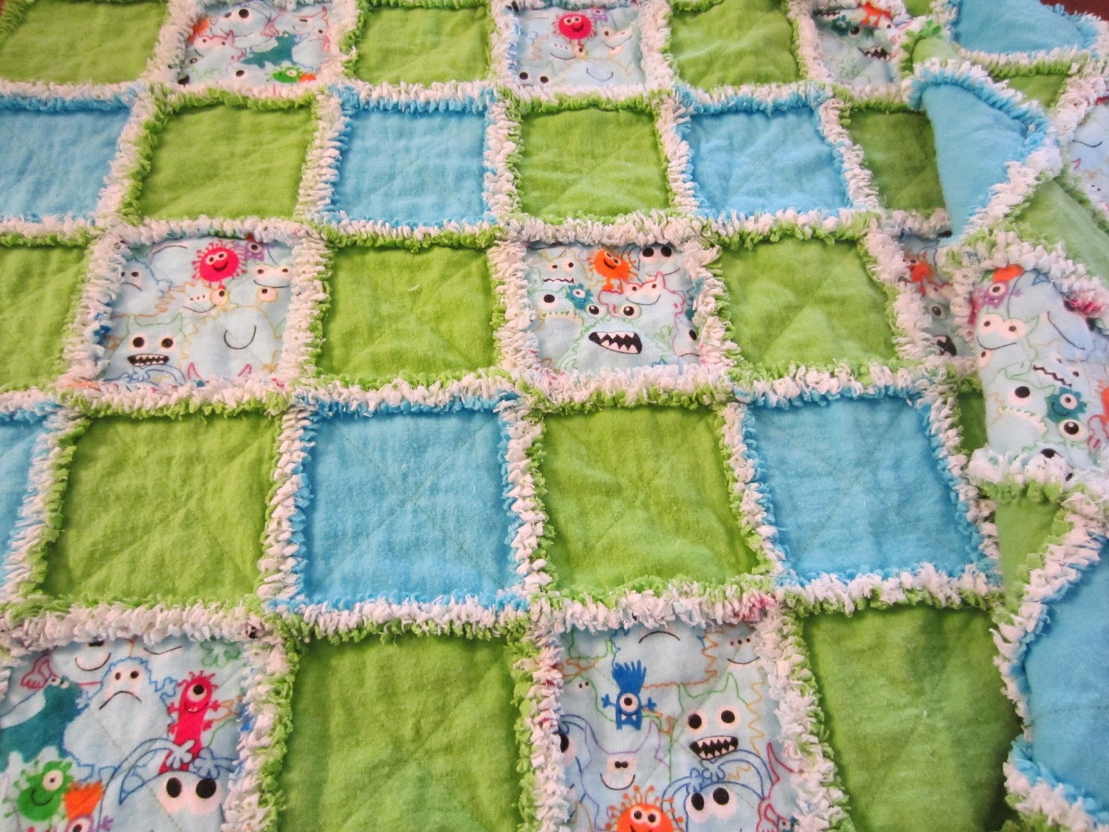 How to Make Rag Quilts: 32+ Tutorials with Instructions for the ... : rag quilt patterns instructions - Adamdwight.com