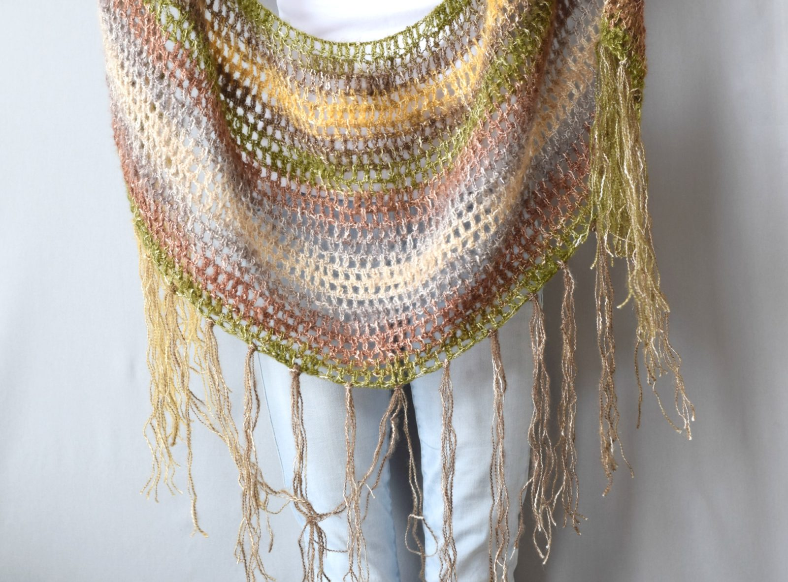 40 Free Crochet Shawl Patterns | Guide Patterns