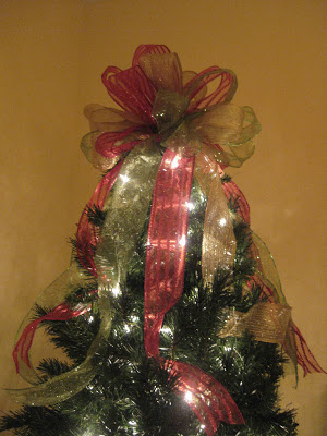 christmas tree bow topper with streamers
