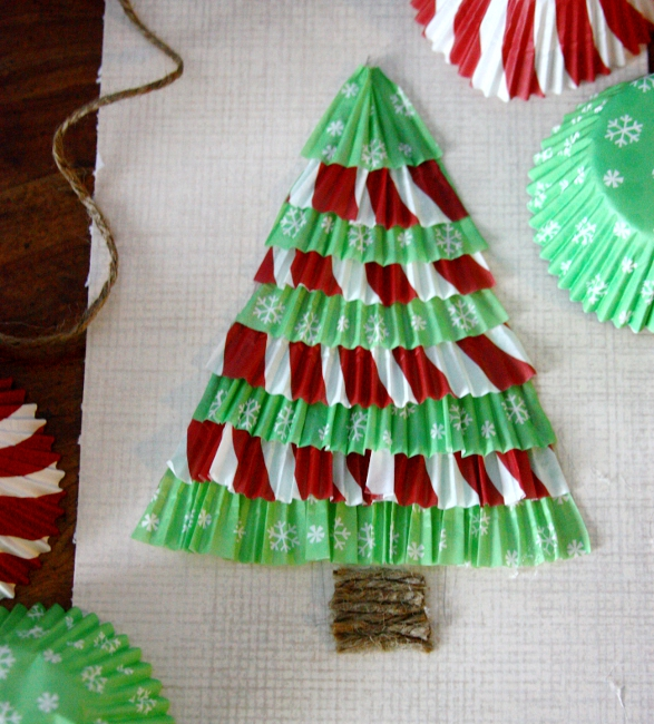 Christmas Tree Made By Paper: 24+ DIYs On How To Make A Paper Christmas Tree