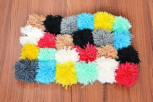 22 Ways To Make A Pom Pom Rug Guide Patterns