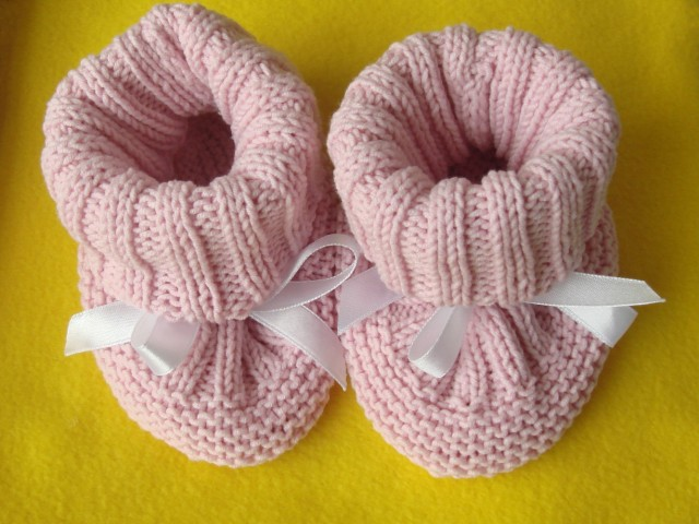 aeea085f942f 30 Free Patterns for Knitted Baby Booties