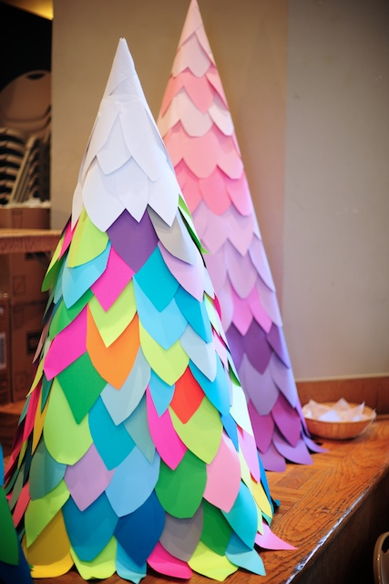 24+ DIYs on How to Make a Paper Christmas Tree | Guide ...