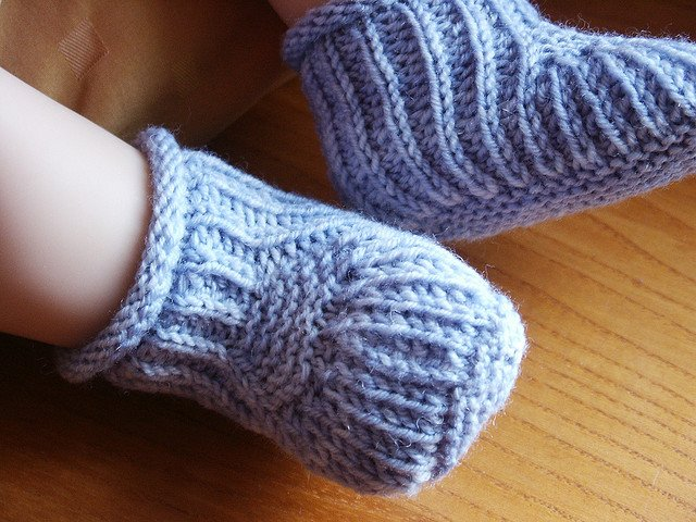 0f140eedb84 30 Free Patterns for Knitted Baby Booties | Guide Patterns