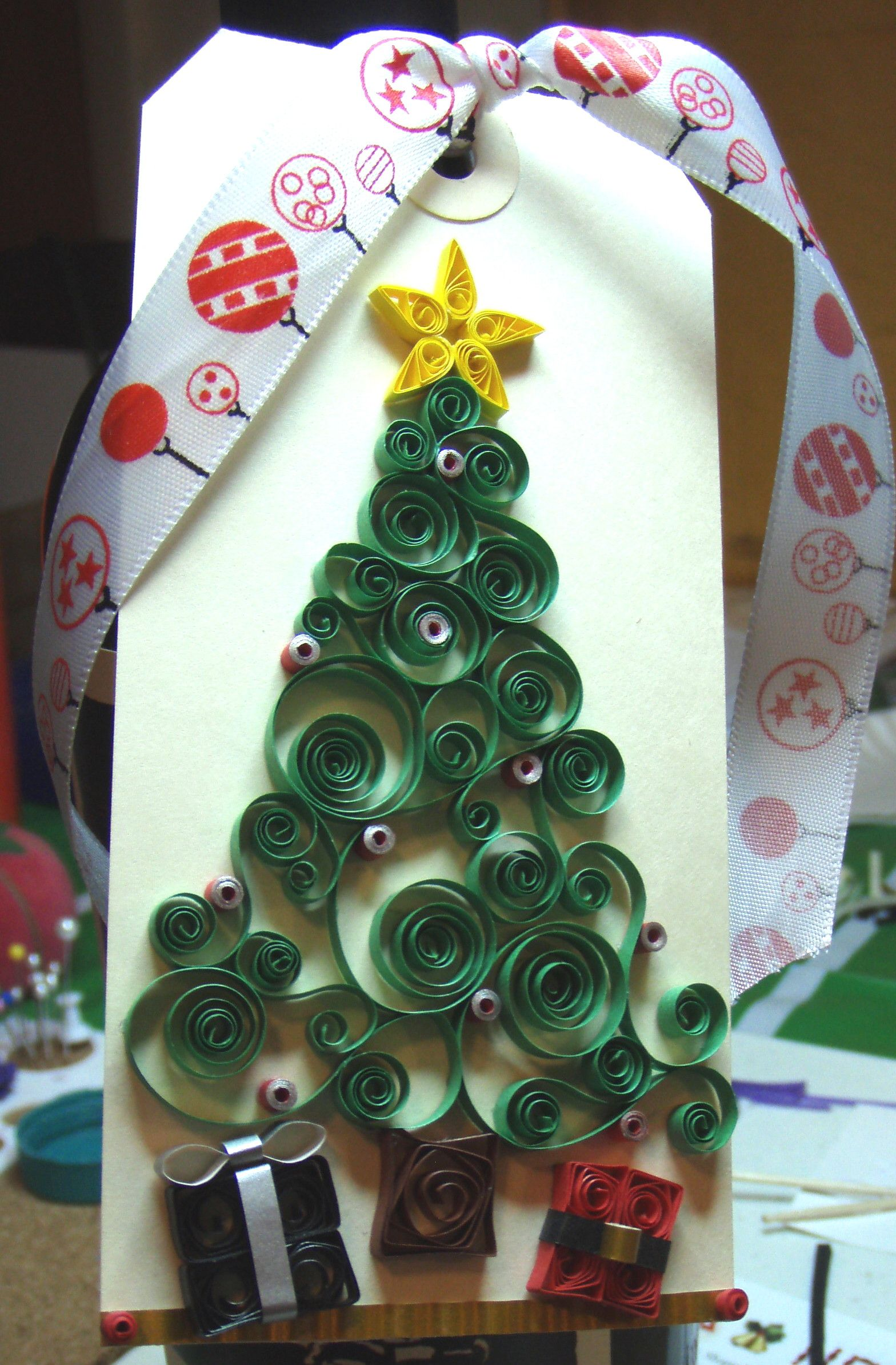 24 Diys On How To Make A Paper Christmas Tree Guide
