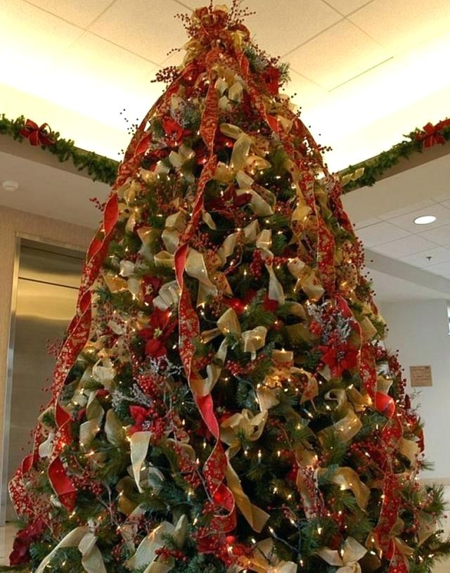 How to Put Ribbon on a Christmas Tree: 20+ Decorating ...