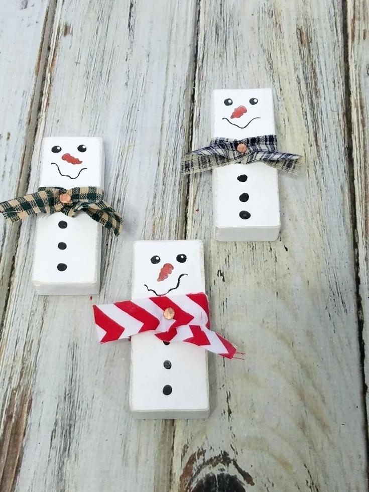 20 Diy Ideas To Make A Snowman With Pallet And Other Wooden Objects