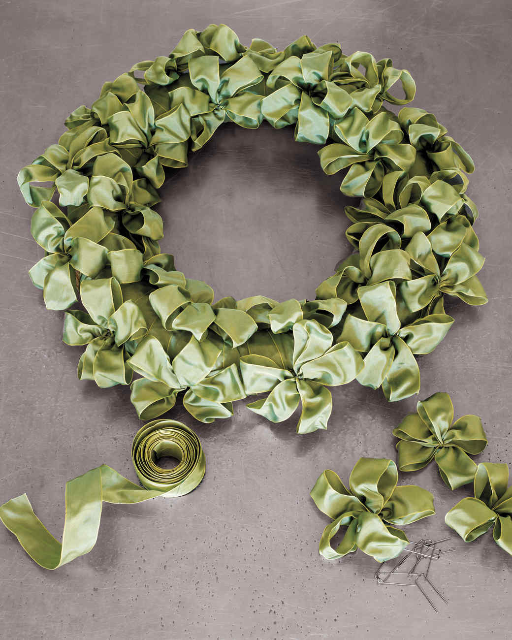 20 Ways To Make A Ribbon Wreath Guide Patterns