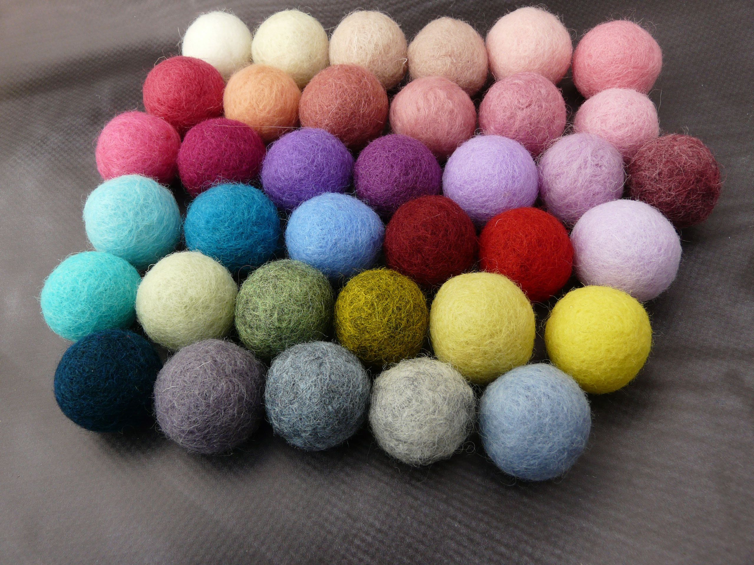 How To Make Felt Balls At Home 12 Crafty Tutorials Guide Patterns